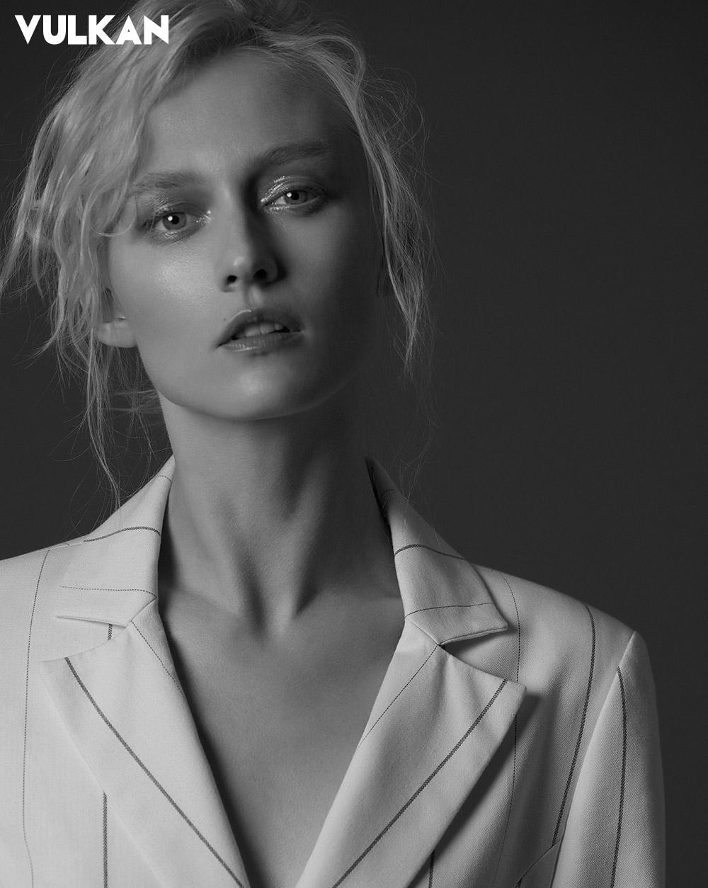 Natalia Heinzen Nude Photos 31